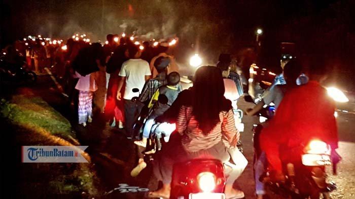 Truk Hias Hingga Pawai Obor Ramaikan Pawai Takbir di Bintan