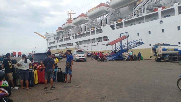 PELABUHAN BATU AMPAR - Kondisi Pelabuhan Batu Ampar satu hari jelang pemberlakuan larangan mudik, Rabu (5/5/2021).