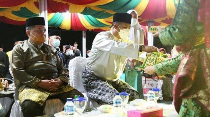 Bupati Anambas Abdul Haris dan Wakil Bupati Anambas Wan Zuhendra saat menghadiri Seleksi Tilawatil Quran dan Hadist (STQH) VII Tingkat Kabupaten Anambas di Kecamatan Siantan Selatan, Minggu (21/3/2021).