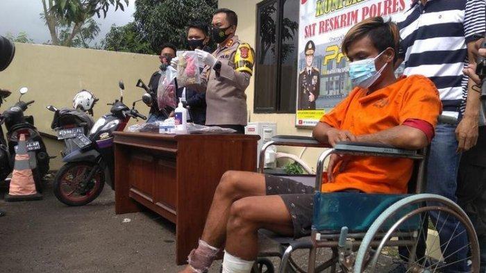 Ar (24) pemuda pengangguran pelaku pembunuhan dan pemerkosaan penjual sayur di Serang, Banten