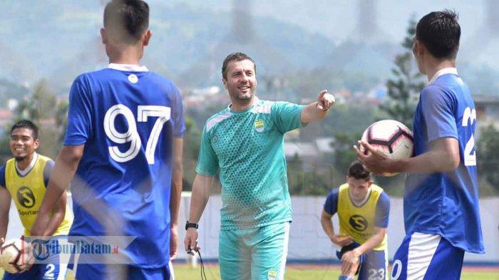 Persib Bandung vs Borneo FC Piala Indonesia, Miljan Radovic Siap Balas Kekalahan di Leg Pertama