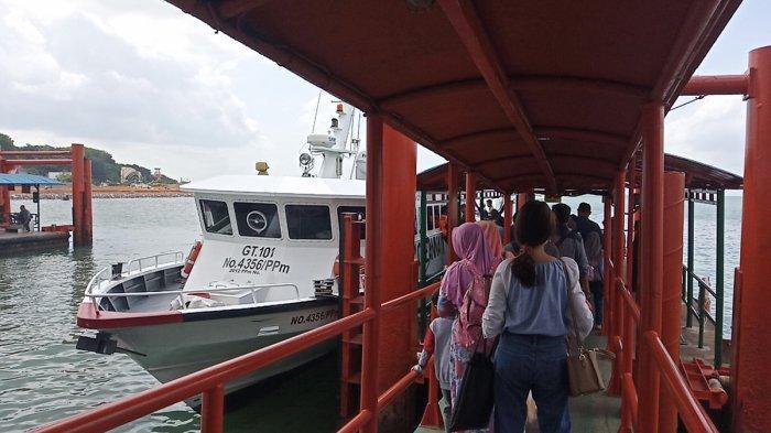 Suasana Pelabuhan Sri Bintan Pura (SBP) Tanjungpinang, Minggu (19/7/2020). Terdapat 3 kapal yang rutin melayani rute ke Kabupaten Kepulauan Anambas. Pelayaran ini mulai beroperasi pada Juli 2020.