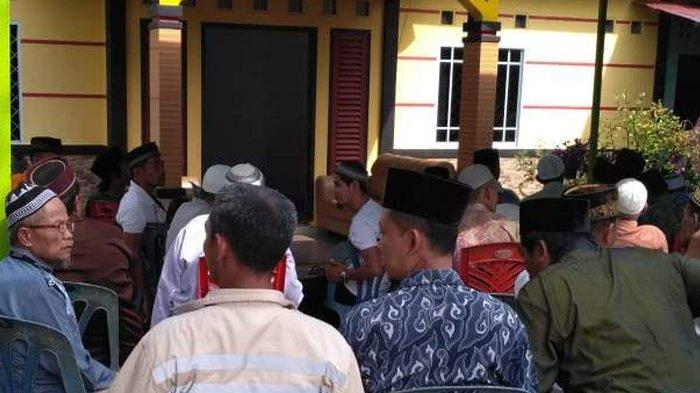 Karimun Heboh! Mas Tato Meninggal Saat Jadi Imam Sholat Jumat di Masjid