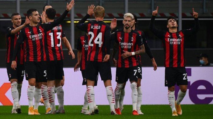 Pemain AC Milan melakukan selebrasi setelah gelandang asal Maroko Brahim Diaz (kanan) mencetak gol ke gawang Sparta Praha di Liga Europa 2020/2021, Kamis (29/10/2020) malam atau Jumat dinihari WIB.