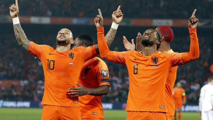 Line Up Belanda vs Ukraina, Frank de Boer Mainkan Memphis Depay, De Ligt Absen