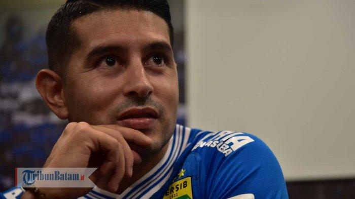 Kurma, Menu Makanan yang Selalu Ada Saat Berbuka Bagi Pemain Persib Esteban Vizcarra
