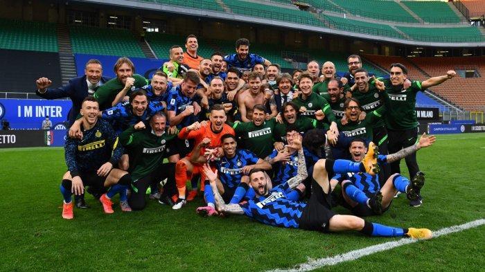 Hasil Inter Milan vs Sampdoria - Pemain Inter Milan melakukan selebrasi bersama setelah menang 5-1 atas Sampdoria di pekan 35 Liga Italia 2020-2021, Sabtu (8/5/2021).