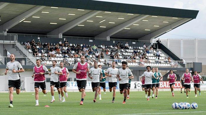 Pemain Juventus latihan untuk menghadapi pertandingan di Liga Italia 2021-2022