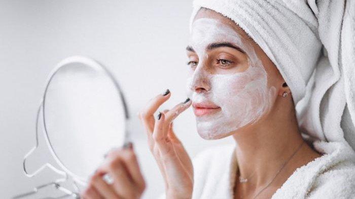 3 Rekomendasi Clay Mask untuk Atasi Kulit Berminyak dan Kusam di Bawah 100 Ribu Rupiah