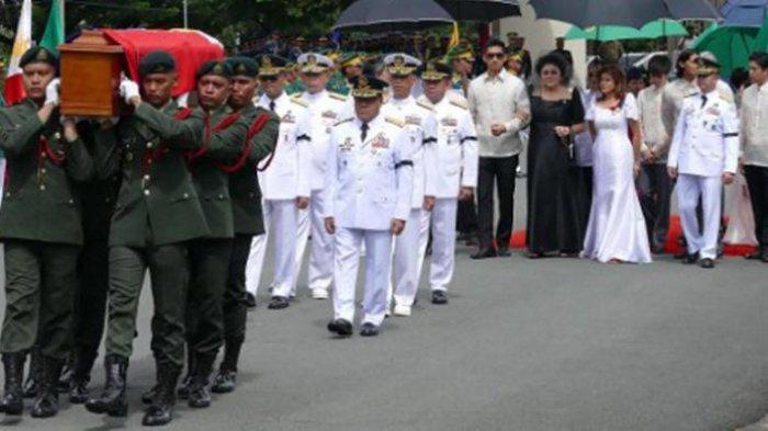Setelah 30 Tahun, Akhirnya Jasad Marcos Dimakamkan Diam-Diam dan Picu Aksi Unjuk Rasa