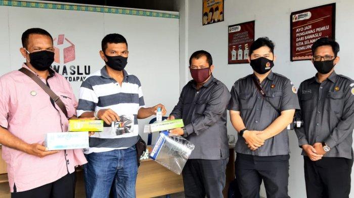 Halau Pandemi di Masa Pilkada, Bawaslu Distribusikan APD untuk Penyelenggara Pemilu