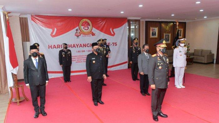 Gubernur Ansar Hadiri Peringatan HUT Bhayangkara
