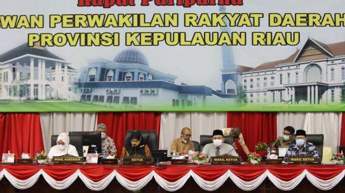 Rapat Paripurna DPRD Provinsi Kepulauan Riau