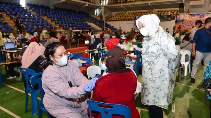 Wagub Kepri Marlin Agustina Ajak Masyarakat Manfaatkan Fasilitas Vaksinasi Covid-19