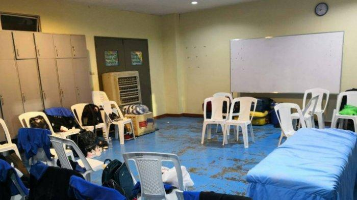 AFF SUZUKI CUP 2018 - Kursi Ruang Ganti Stadion Markas Timnas Filipina Seperti Kursi Hajatan
