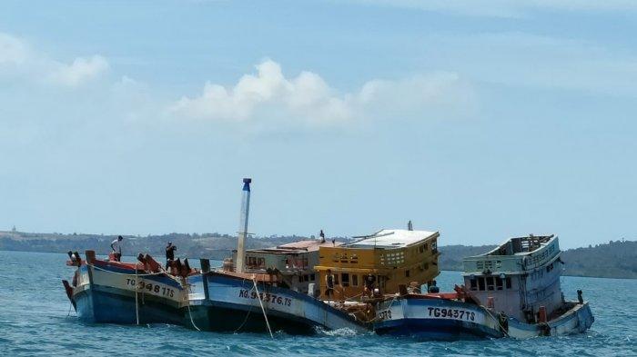 Penenggelaman kapal ikan asing di perairan Batam, Provinsi Kepri, Kamis (4/3/2021).