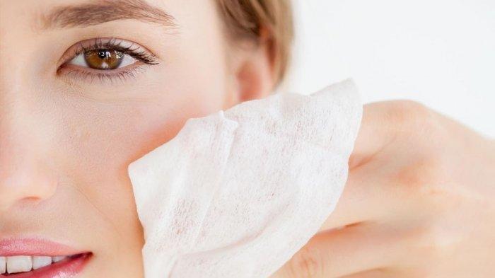 5 Bahaya Bersihkan Wajah dengan Tisu Basah, Timbul Jerawat Hingga Keriput