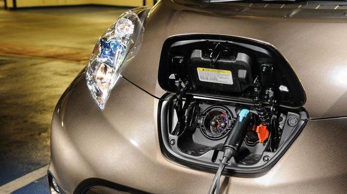 WOW, Mobil Listrik Dapat 14 Insentif. Selisih Harga Bisa 10% dari Mobil BBM. Ini Rinciannya