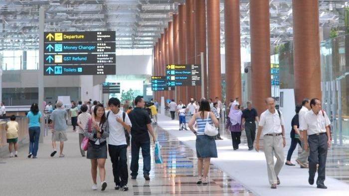 Tak Lancar Bahasa Inggris? Bisa Belanja Dengan Bahasa Indonesia di Bandara Changi