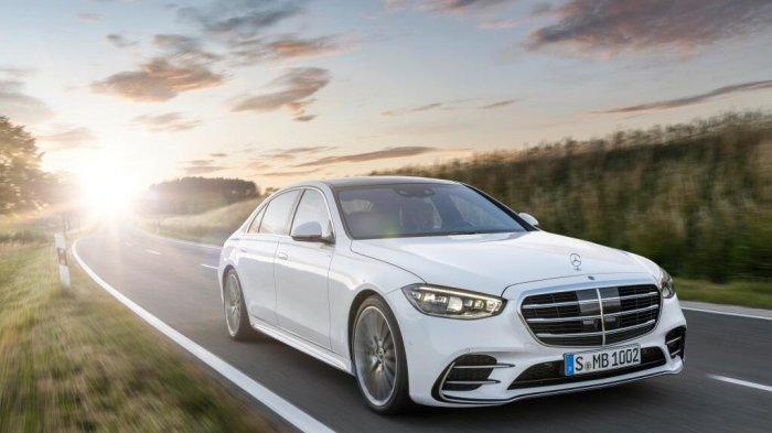 Penjualan Mercedes Benz di China Pecahkan Rekor Tertinggi