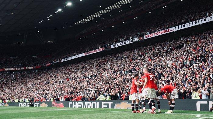 Berita Manchester United - Penonton MU vs Newcastle Wajib Vaksin, De Beek: Ole Minta Saya Bertahan