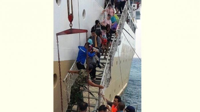 KM Bukit Raya yang Bocor di Natuna Masih di Tengah Laut, Penumpang Dievakuasi ke Pulau Terdekat