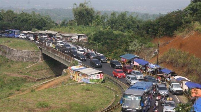 Arus Balik via Jalur Selatan Mulai Padat, Perbatasan Garut-Bandung Berlakukan One Way