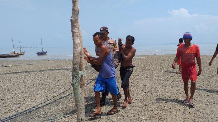 Anaknya Dituding Mencuri Barang Warga, Ibu di Buru Karimun Nekat Akhiri Hidup Terjun ke Laut