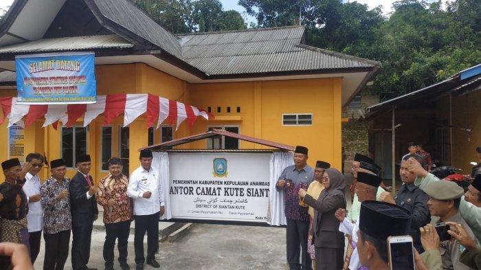 Plt Gubernur Kepri Resmikan Kecamatan Kute Siantan di Anambas, Ini Pesan Isdianto