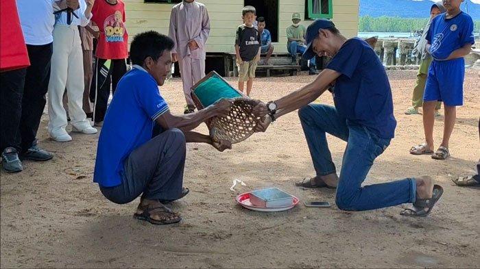 Sensasi Ambung Gila di Lingga, Permainan Budaya Melayu Dipercaya Berbau Mistis