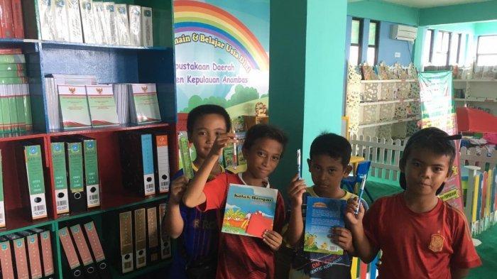 Tidak Hanya Membaca dan Meminjam Buku, Ini Alasan Anak-Anak Anambas Gemar ke Perpustakaan Daerah