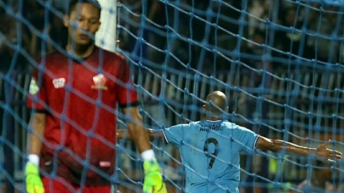 Persela Menang Telak 4-1 Atas PS TIRA. Mantan Pemain Paris Saint Germain Jadi Bintang Lapangan