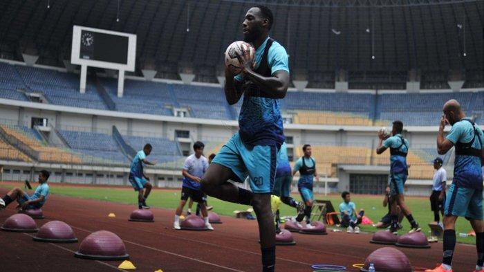 Jelang Persib Bandung vs Bhayangkara FC, Robert Alberts Turunkan Intensitas Latihan
