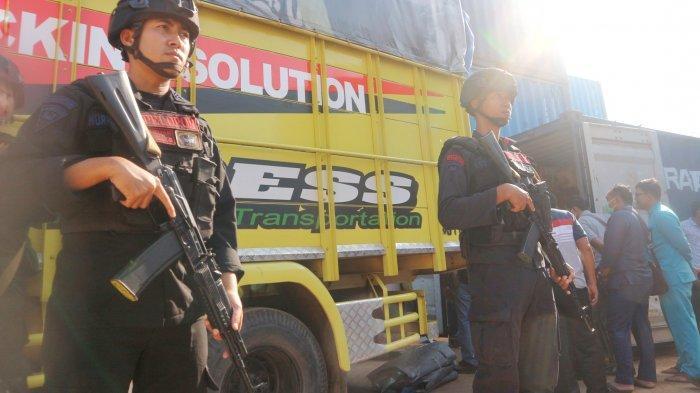 KPU Anambas Jemput Logistik Pemilu di Pelabuhan, Kertas Suara Dikawal Polisi