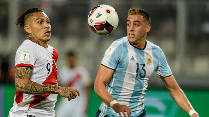 Gol Penalti Jelang Akhir Pertandingan Pupus Kemenangan Argentina atas Peru