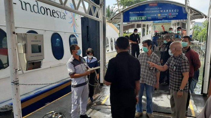 BREAKING NEWS Tiba di Pelabuhan Batam Centre, Penumpang dari Malaysia Dibawa ke RSBP