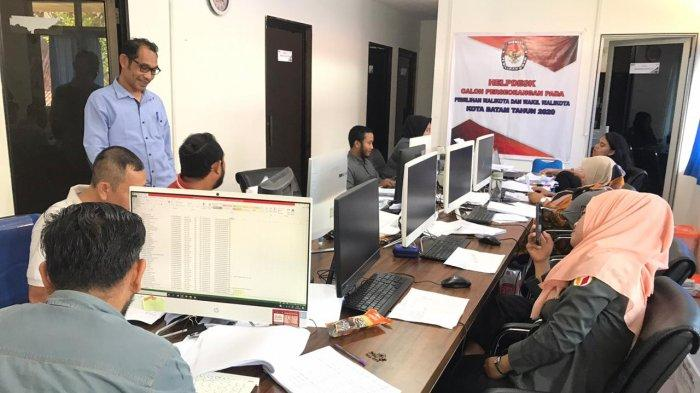 KPU Batam Selesai Periksa Berkas Dukungan Rian Ernest dan Yusiani untuk Pilwako Batam