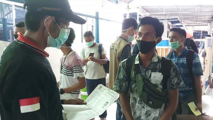 Petugas Perketat Pengawasan di Pelabuhan Domestik Tanjungbalai Karimun, Penumpang Wajib Tunjukan PCR