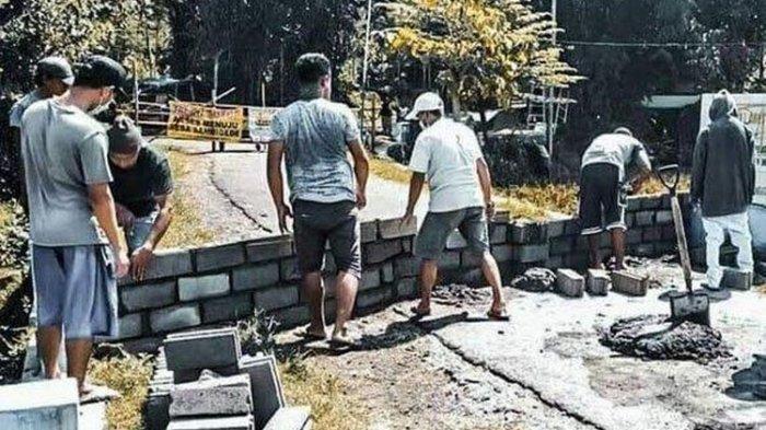 Viral Foto 2 Desa Saling Tutup Akses Jalan Karena Salah Paham Soal Social Distancing Saat Covid-19
