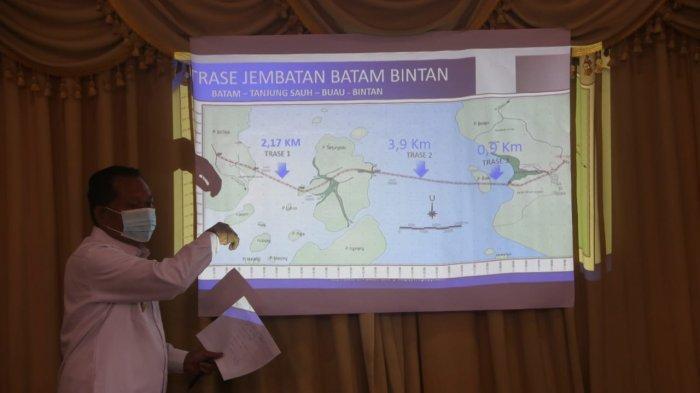 PJS BUPATI BINTAN - Pjs Bupati Bintan Buralimar menjelaskan tentang rencana pembangunan jembatan Batam Bintan.