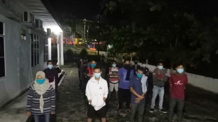 PMI ILEGAL - 18 TKI Ilegal hasil ungkap Polres Bintan saat berada di BP2MI Tanjungpinang.