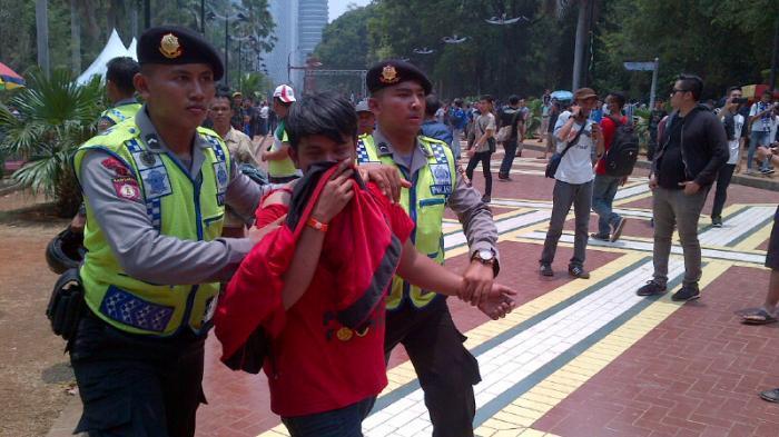 Polisi Paling Banyak Terluka Saat Final Piala Presiden di GBK Jakarta