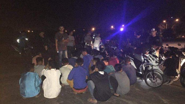 Remaja di Karimun Nongkrong Hingga Dini Hari, Aktifitasnya Mengganggu Masyarakat Sekitar
