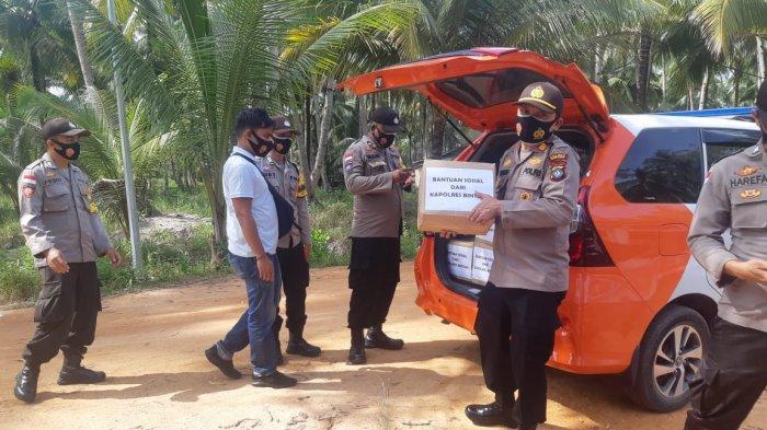 Simadupa Menangis Haru, Korban Kebakaran Kampung Mesiran Dapat Bantuan dari Polres Bintan