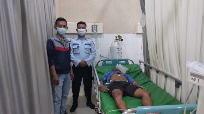 Warga Binaan Rutan Kelas IIA Barelang Batam, Siprianus Apiatus Bin Philipus (27) saat menjalani perawatan di RSUD Embung Fatimah. Penyidik Polsek Sagulung menetapkan 3 warga binaan atas tewasnya warga binaan ini.