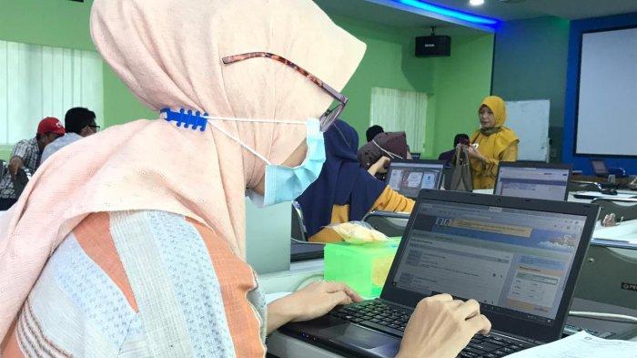 PPDB Kepri di SMAN1 Batam, Panitia Tolak 797 Dokumen Pendaftar, Syarat Administrasi Tak Lengkap