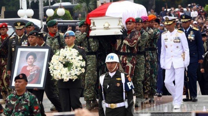 SBY Bersama Keluarganya Dikabarkan Bakal Berziarah ke Makam Ani Yudhoyono di Hari Lebaran