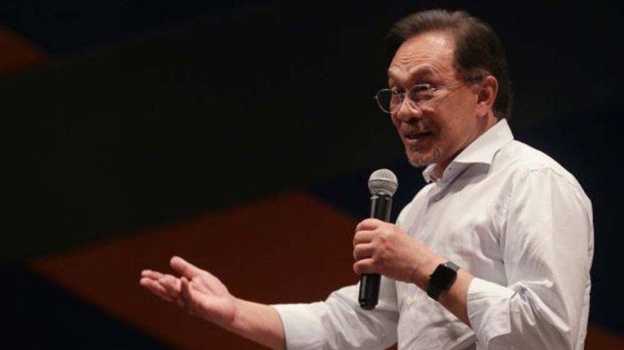 Mahathir Mohamad Mundur dari PM Malaysia, Anwar Ibrahim dan Wan Azizah Bertemu Raja Abdullah