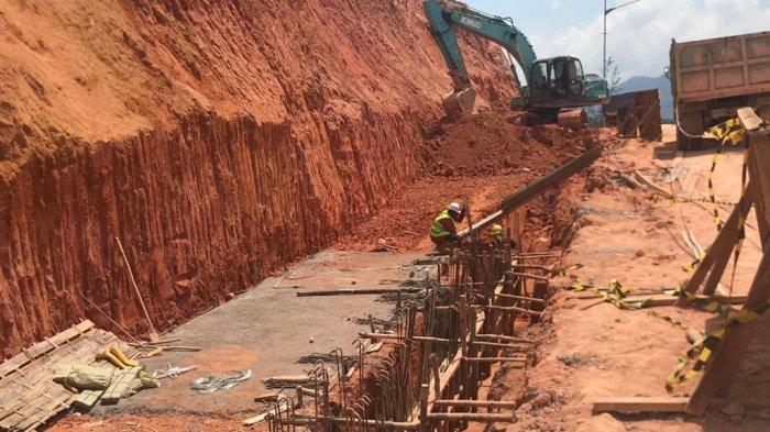 Tepi Jalan Lintas Barat Bintan Mulai Diperbaiki, Longsor saat Hujan Ekstrem Awal Tahun
