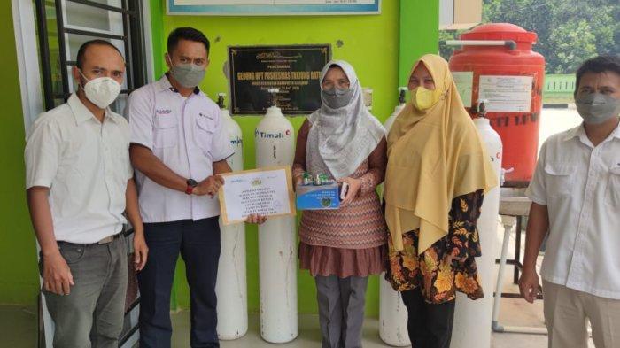 PT Timah Bantu Pemkab Karimun, Serahkan 25 Tabung Oksigen untuk Penanganan Corona